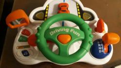 imagen adjunta de Juguete electrónico de mesa con: volante-bocina-balizas-indicadores
