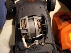 imagen adjunta de Cortadora de cesped eléctrica Black+Decker 1000W