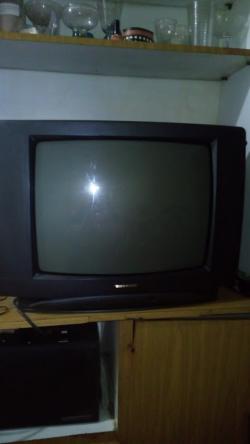 imagen adjunta de mezclar colores en un tv de tubo tonomac que se me ve medio rojizo