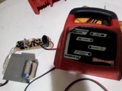 imagen adjunta de Cargador de baterías Sincrolamps automático 10 no carga