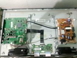 imagen adjunta de Smart TV enciende sólo al desconectar el cable de alimentación Leds